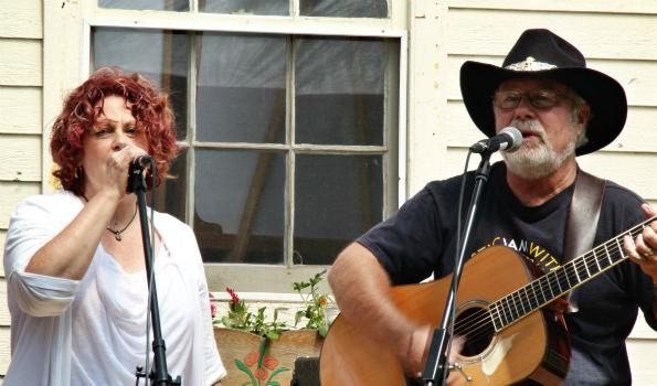 Marilynn and Reid - photo by Dean Bartlett